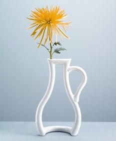 白瓷线花瓶