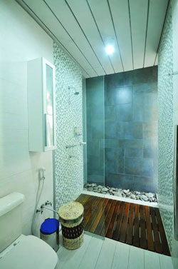 鹅卵石装饰卫生间